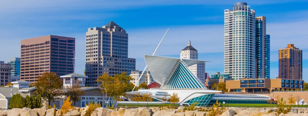 Milwaukee, Wisconsin offers book groups for readers